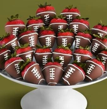 Healthy Super Bowl Appetizers (Vegan, Gluten Free, Sugar Free) || Chocolate Covered Strawberries football #footballs #superbowl #appetizers || Nikki's Plate
