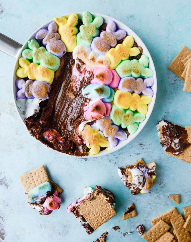 Peanut Butter Peep Dip || Cute Easter Recipes || Dessert - www.nikkisplate.com