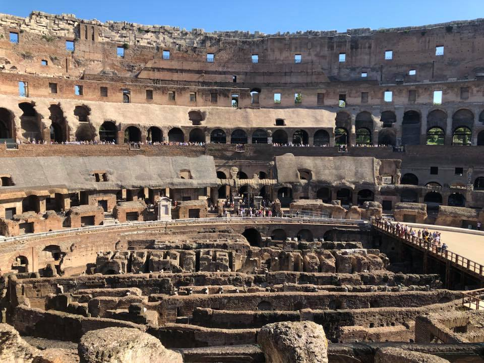 Here are the top 5 things to do while visiting Rome, Italy. Where to eat, where to stay and what to see! - Colosseum