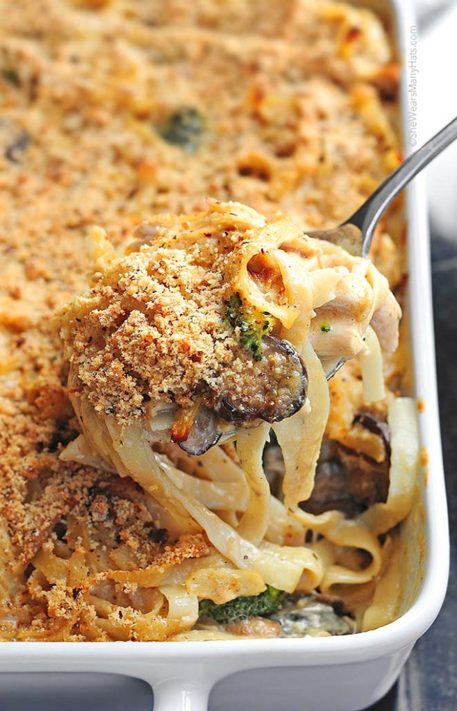 Easy Leftover Turkey Recipes; Not sure what to do with your leftover turkey from the holidays? Try these 15 easy and delicious recipes to avoid waste and keep you turkey stuffed! Chicken Turkey Tetrazzini creamy pasta #leftoverturkey #creamypasta