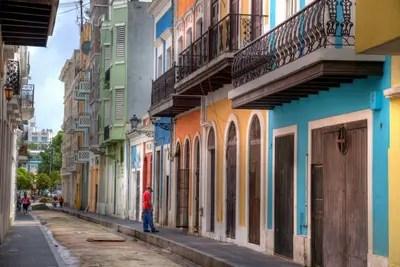 Old San Juan, Puerto Rico. Das historische Kolonialviertel von San Juan lockt mit viel Farbe und Charme.
