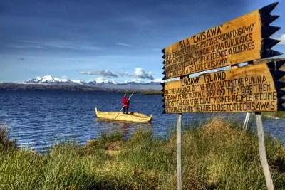 Alles aus Schilf: die Urus leben im Titicacasee auf schwimmenden Inseln.
