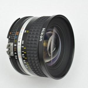 Nikon Nikkor 20mm 2.8 - AIS - herausragende Bildschärfe