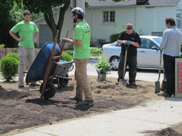 ' hiring - landscaping jobs