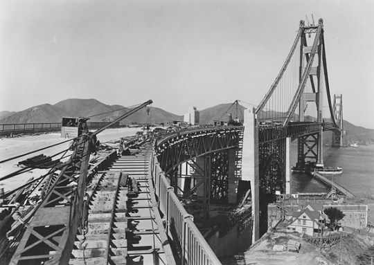 18_PS_Curve_Golden_Gate_Bridge_Circa_1937