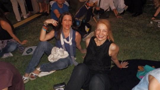 Η Γαλήνη Τσεβά και η Πέμη Ζούνη ανάμεσα στο κοινό......