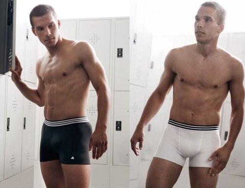 podosfairistes, sexy, hot, soccer, football players, ποδοσφαιριστές, Γιατί οι ποδοσφαιριστές προκαλούν το γυναικείο και το gay κοινό;, ΤΟ BLOG ΤΟΥ ΝΙΚΟΥ ΜΟΥΡΑΤΙΔΗ, nikosonline.gr, Nikos On Line