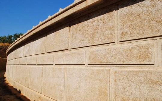 Αρχαία Αμφίπολη, Τάφος, Λιοντάρι, Σφήκα