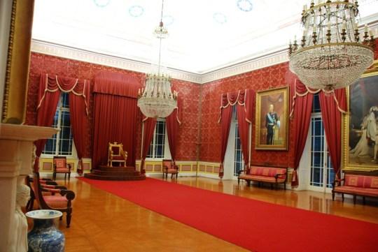 Μουσείο Ασιατικής τέχνης (αίθουσα θρόνου)