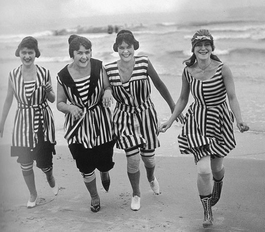 old-bathing-suits-540_M