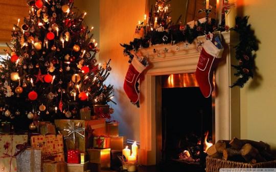 christmas_tree_house-wallpaper-1920x1200