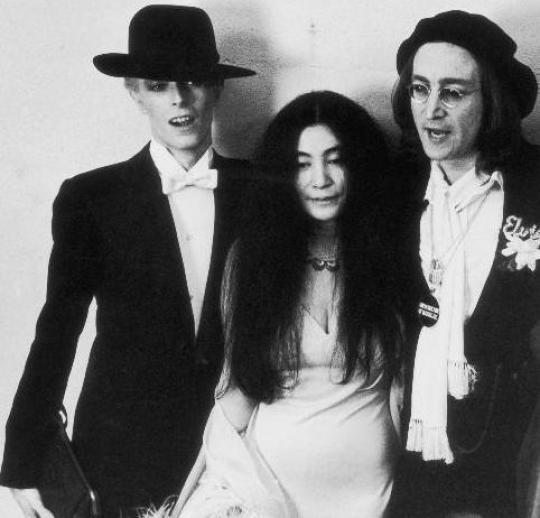 1-David-Bowie-John-Lennon-Yoko-Ono-Roberta-Flack-1975