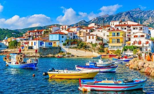 Ένα παραθαλάσσιο κουκλίστικο χωριό, Κοκάρι, Σάμος. Kokkari, Samos island, Greece, nikosonline.gr
