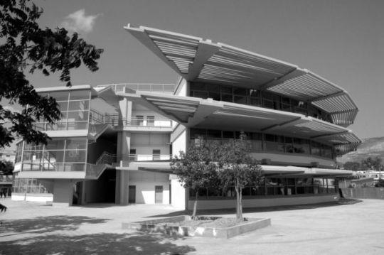 Μοντέρνος, Έλληνας αρχιτέκτονας, Στρογγυλό σχολείο, Takis Zenetos, Tάκης Ζενέτος, αρχιτέκτων, ΦΙΞ, Θέατρο Λυκαβηττού, νικος ον λαιν, ΝΙΚΟΣ ΜΟΥΡΑΤΙΔΗΣ, nikosonline.gr,