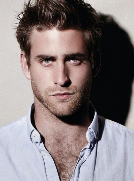 Oliver Jackson-Cohen, Άγγλος ηθοποιός, British actror, Netflix, World without end, nikosonline.gr