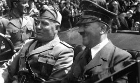 Αδόλφος Χίτλερ, Μπενίτο Μουσολίνι , Hitler