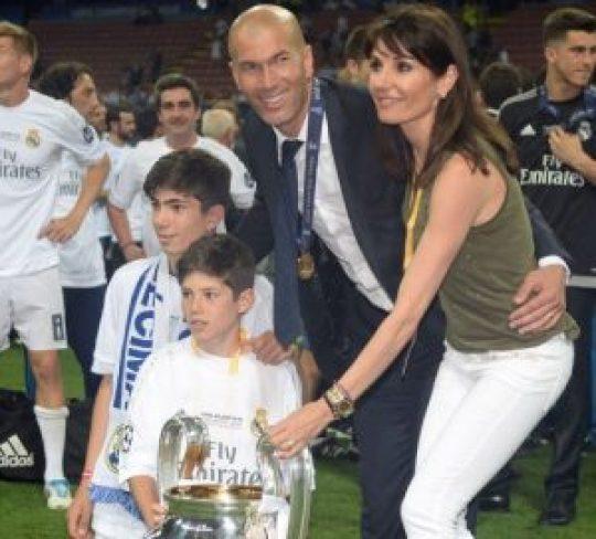 Zinedine Zidane συν γυναιξί και τέκνοις. Ζινεντίν Ζιντάν, σύζυγος, παιδιά, Kids, wife, nikosonline.gr