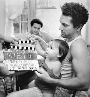 Robert De Niro συν γυναιξί και τέκνοις, De Niro gynaika, paidia, oikogeneia, wife & children, nikosonline.gr