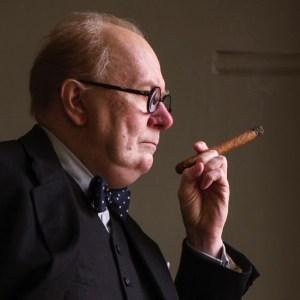 Winston Churchill, Darkest Hour, ΓΟΥΙΝΣΤΟΝ ΤΣΟΡΤΣΙΛ, ΑΓΓΛΙΑ, ΤΑΙΝΙΕΣ, MOVIES, nikosonline.gr