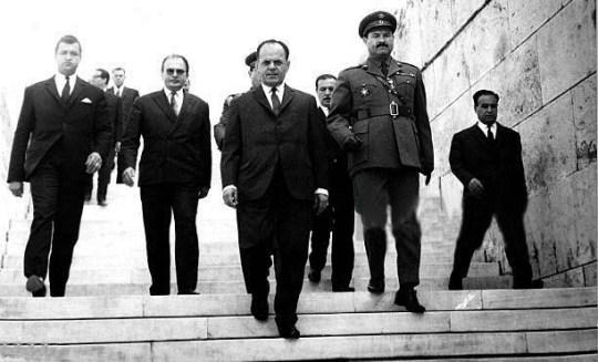 1968: Η χρονιά που άλλαξε τον κόσμο, 1968 The year change the world, VIETNAM, PARIS, MARTIN LUTHER KING, BOB KENNEDY, ONASSIS- JACKIE, PRAGUE, nikosonline.gr