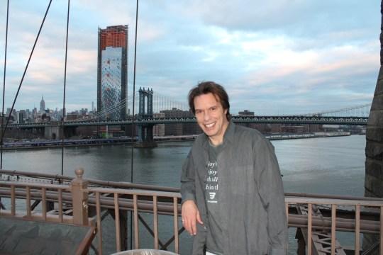 STRATOS TZORTZOGLOU, NEW YORK, ACTOR, ΣΤΡΑΤΟΣ ΤΖΟΡΤΖΟΓΛΟΥ, ΝΕΑ ΥΟΡΚΗ, ΗΘΟΠΟΙΟΣ, ΣΥΝΕΝΤΕΥΞΗ, nikosonline.gr