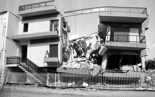 ATHINA, SEISMOS, 1999 EARTHQUAKE, KATASTROFI, NEKROI, nikosonline.gr