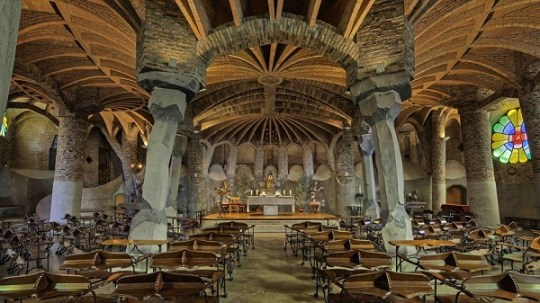 Άντονι Γκαουντί, Τραμ, Tram, Αρχιτέκτονας, Antoni Gaudí, Sagrada Família, Σαγράδα Φαμίλια, Arxitektonas, Katalanos, Ισπανός, nikosonline.gr