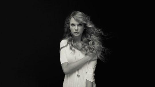 Και ένας Έλληνας στους πιο ακριβοπληρωμένους, Taylor Swift, Γιάννης Αντετοκούνμπο, Forbes, 2019, rich & famous, nikosonline.gr