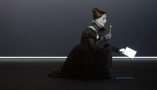 Μαρία Στιούαρτ, Κοκκινομάλλα, μάγισσα, παράφορη, Friedrich Schiller, θεάτρο ΑΛΜΑ, Άντζελα Μπρούσκου, Mary Queen of Scots, Θέατρο, nikosonline.gr
