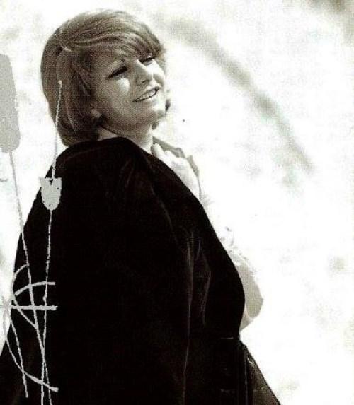 Την κατάστρεψαν οι επιλογές της, Τζένη Βάνου, τραγούδι, μουσική, Πλέσσας, Ελαφρό τραγούδι, Tzeni Vanou, music, nikosonline.gr