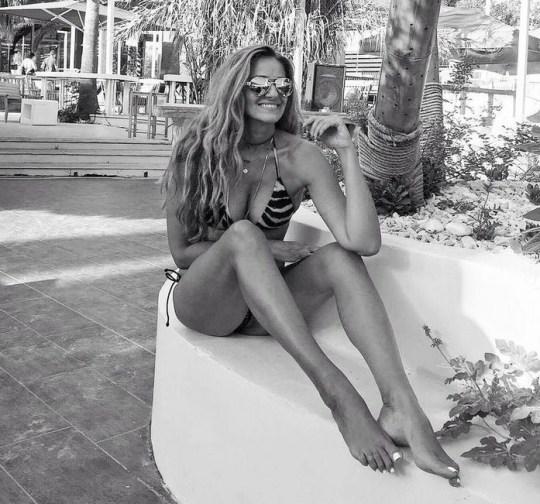 """Βλέπω """"Άγριες μέλισσες"""" και ζηλεύω, Vicky Koulianou, model, ithopoios, Βίκυ Κουλιανού, Μοντέλο, ηθοποιός, nikosonline.gr"""