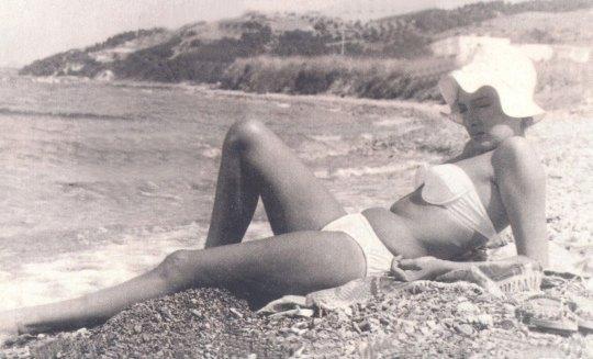Οι μεγάλες σταρ της Ελλάδας με μαγιό, Bikini, Ellinides Star, Ελληνικός κινηματογράφος, περιοδικά, Λάσκαρη, Αλίκη, magio, thalassa, nikosonline.gr