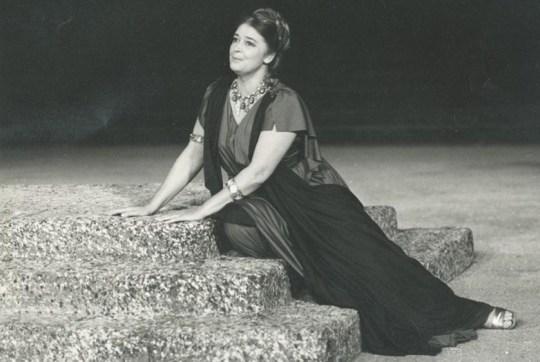 Άννα Συνοδινού, Anna Sinodinou, ΤΟ BLOG ΤΟΥ ΝΙΚΟΥ ΜΟΥΡΑΤΙΔΗ, nikosonline.gr