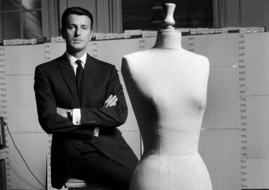 Χρονολόγιο, Hubert de Givenchy, ΤΟ BLOG ΤΟΥ ΝΙΚΟΥ ΜΟΥΡΑΤΙΔΗ, nikosonline.gr