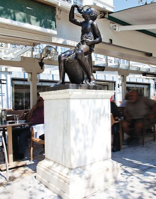 Δημήτρης Φιλιππότης, Ένας γλύπτης καπετάν φασαρίας, εικαστικά, αγάλματα, glyptis, eikastika, Dimitris Filippotis, nikosonline.gr