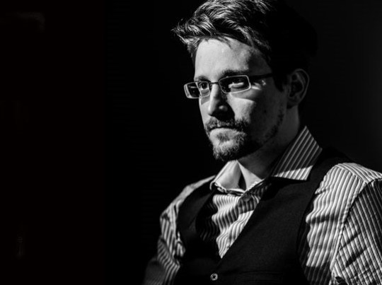 Η Ταυτότητα της ημέρας, Edward Snowden, ΤΟ BLOG ΤΟΥ ΝΙΚΟΥ ΜΟΥΡΑΤΙΔΗ, nikosonline.gr