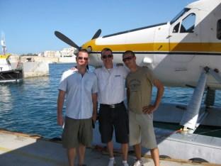 Gruppenbild mit Captain und Bodenpersonal