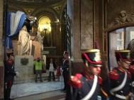 Wachablösung am Grab des Generals José de San Martín in der Catedral
