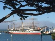 Der Nebel zieht durch die Bay und hüllt auch Alcatraz ein