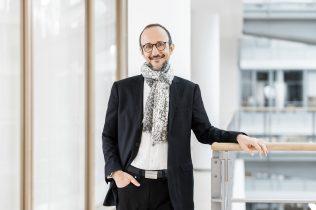 Bruno Piacenza, Vorstand / Henkel AG / Geschäftsbericht 2020 / Düsseldorf 2021 / Fotograf: Nils Hendrik Mueller