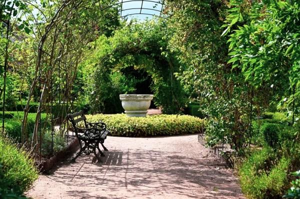 Dans les jardins de l'abbaye