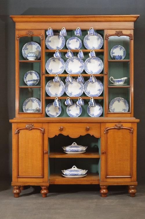 Fine Victorian Oak Dresser