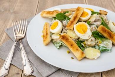 Aardappelsalade met raapstelen & soldaatjes