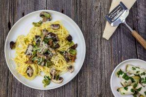 Verse pasta met paddestoelen & prei
