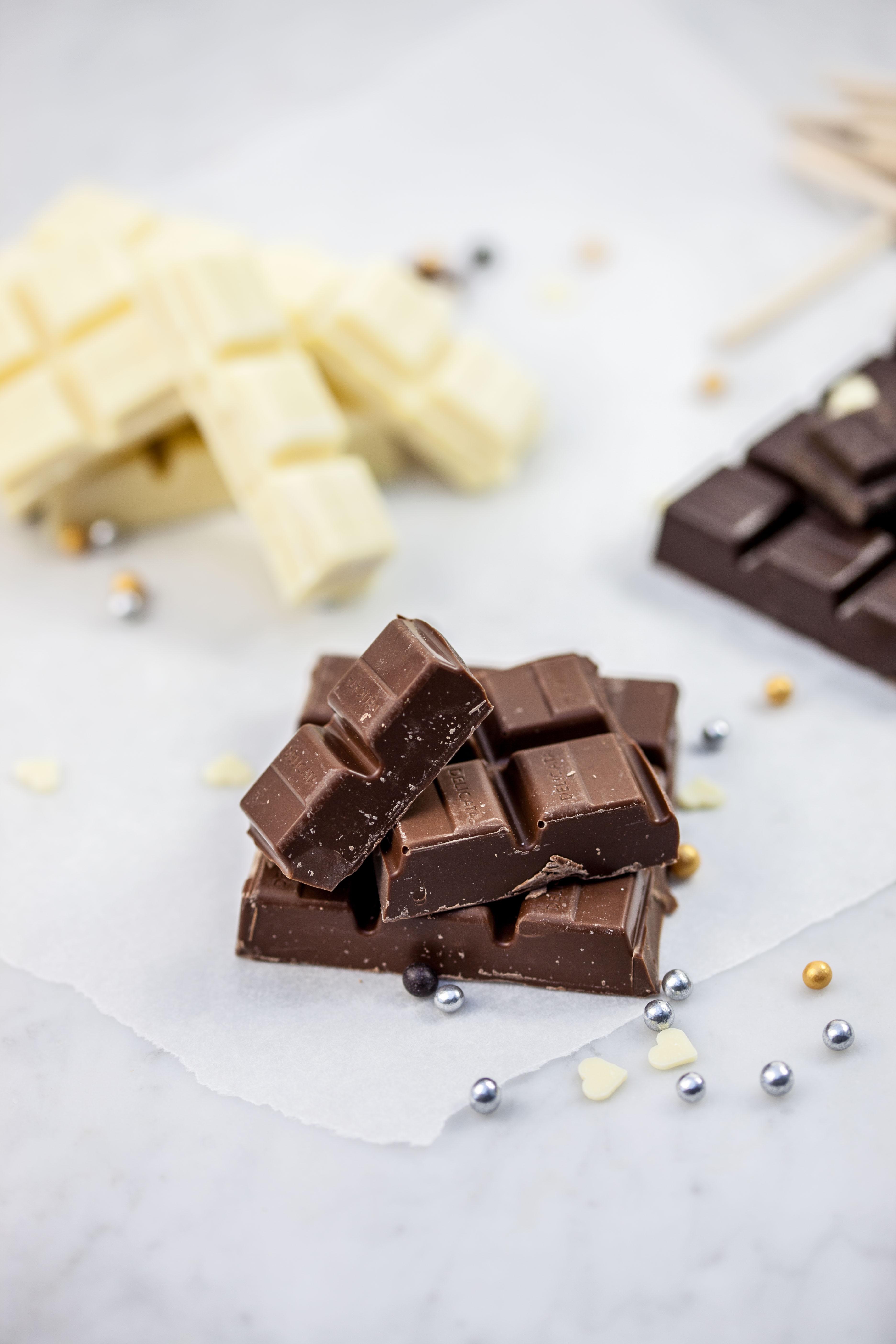 Chocoladelepels met suikerparels & noten