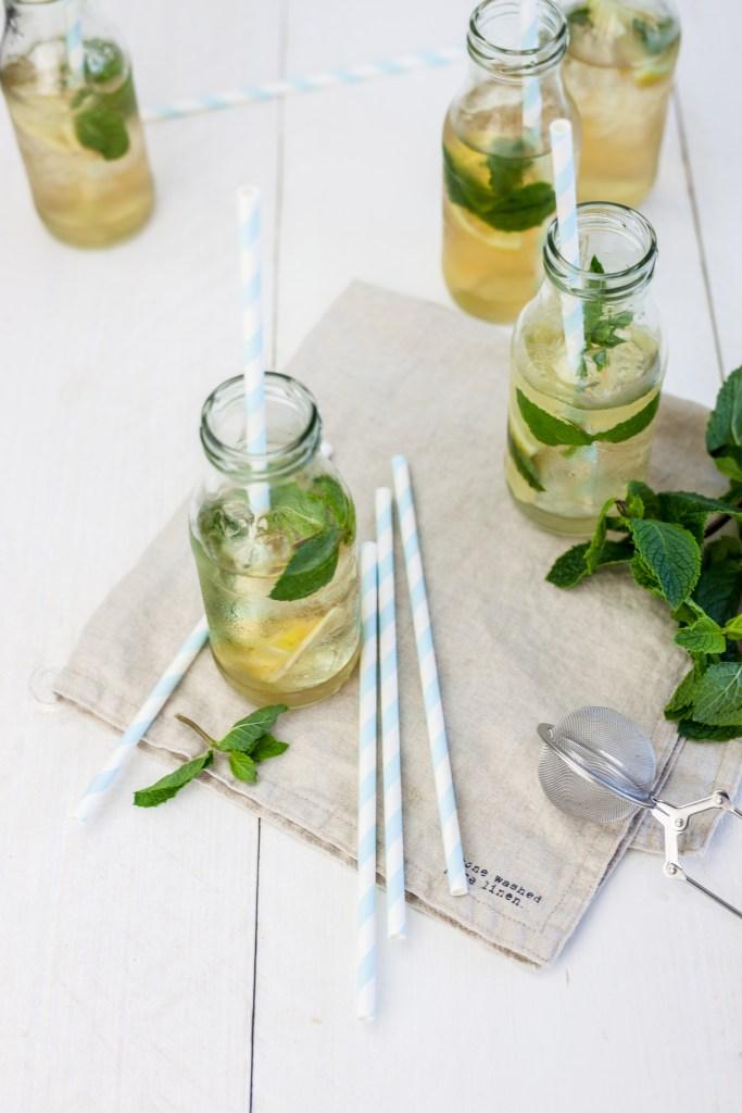 Ice tea met citroen, gember & verse munt