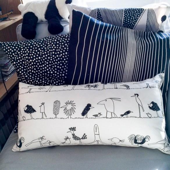 pillows, kuddar