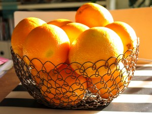 kitchentable, oranges