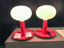 Lamps with their own trays