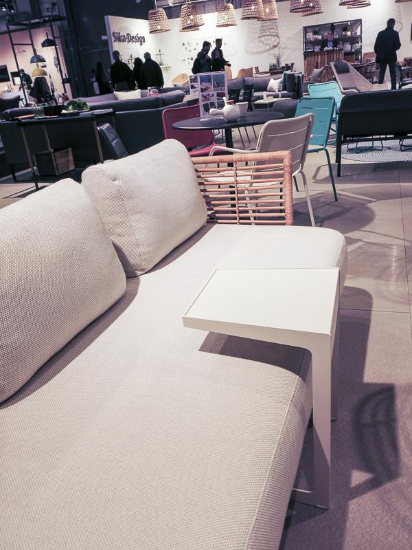 Sofa-table